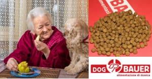 Nonna e Cocker con crocchette Dogbauer